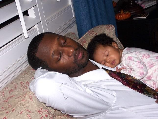 Comment habiller bébé pour dormir en hiver?
