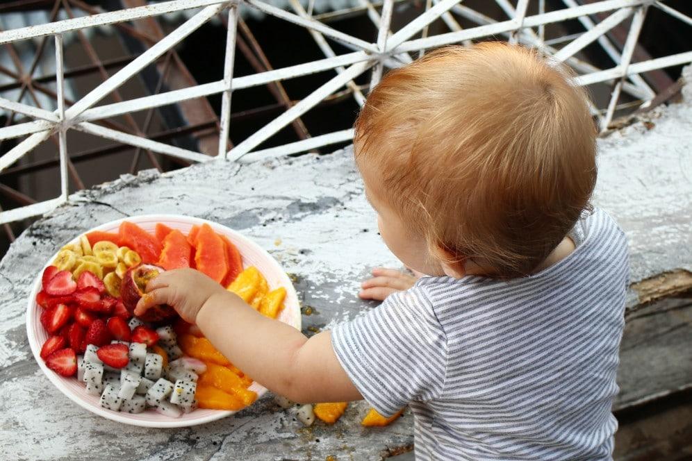 Quel fruit donner à un bébé de 6 mois?