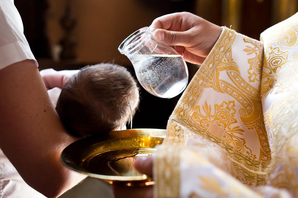 Comment se déroule une cérémonie de baptême?