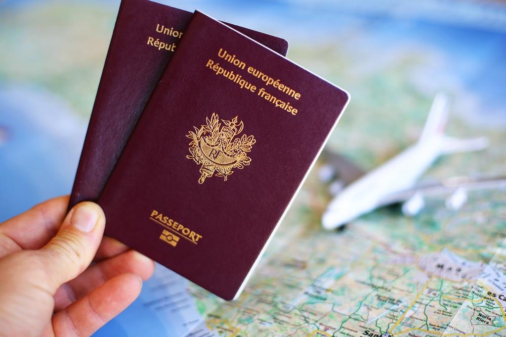 Quels documents pour voyager avec bébé?