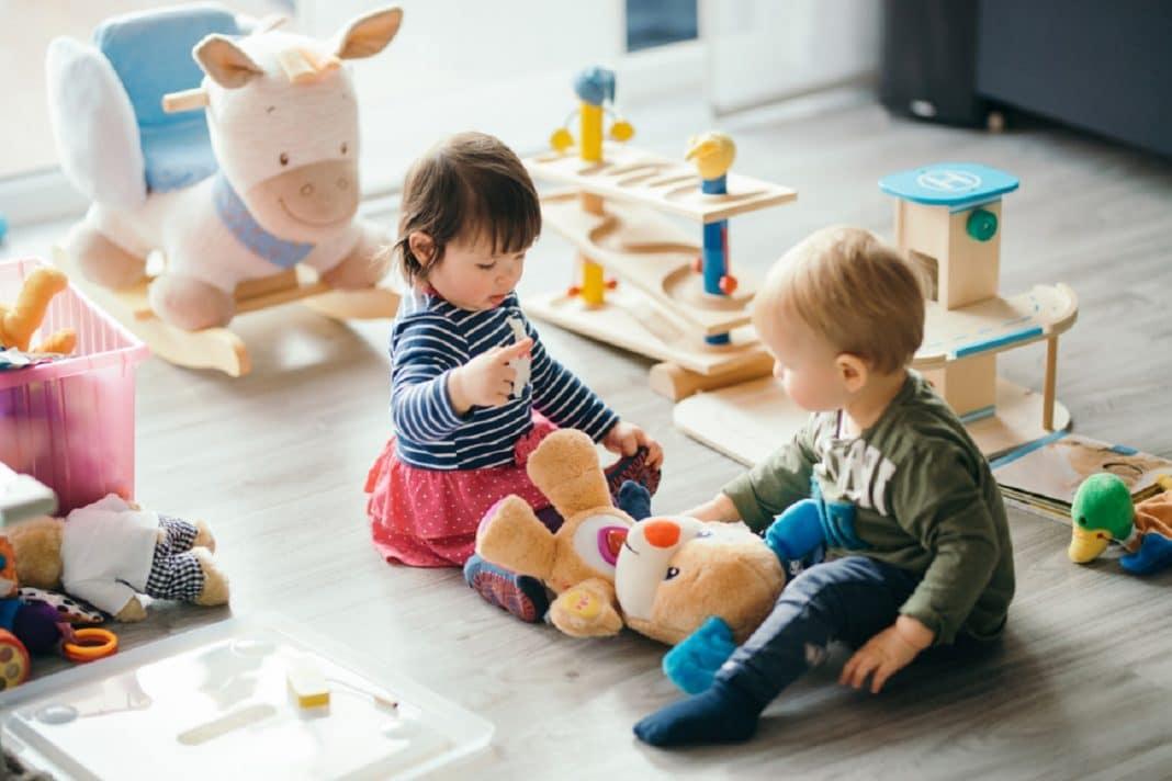 Les tout premiers jouets de bébé