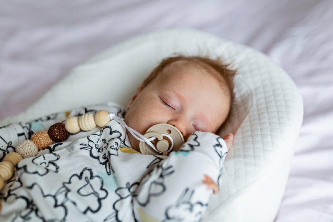 Cocon ergonomique bébé : un équipement utile ?